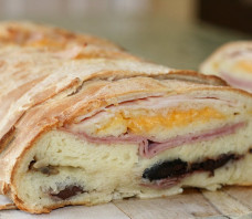 "Smoked Turkey and Cheese Home Baked Bread ""Garbage Bread"" – Pate Noel Recipe"