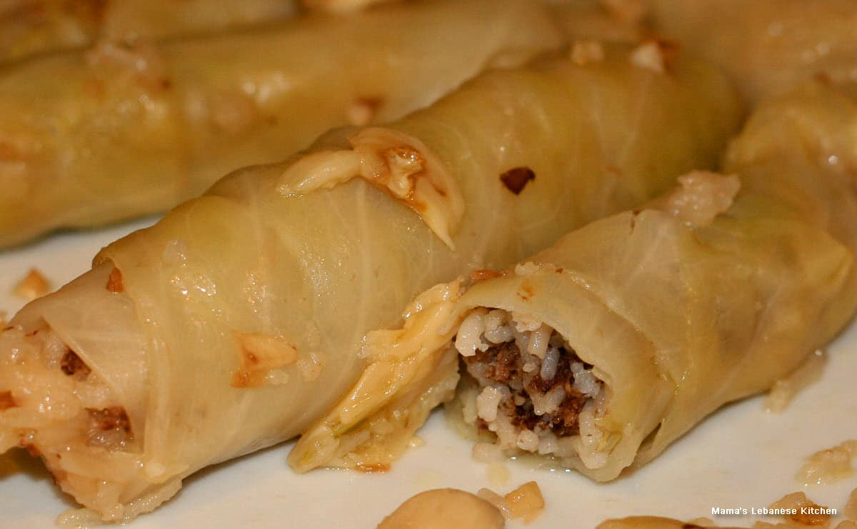 Stuffed cabbage rolls with meat and rice malfouf recipe mamas lebanese stuffed cabbage rolls malfouf mihshi forumfinder Image collections
